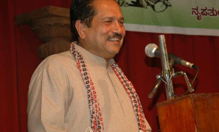 vajpayee like mahatma modi like bose says rss leader