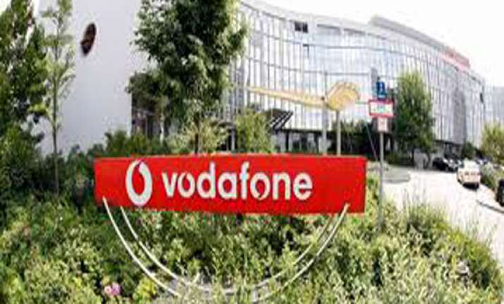 vodafone asked to pay rs 10k to thane customer