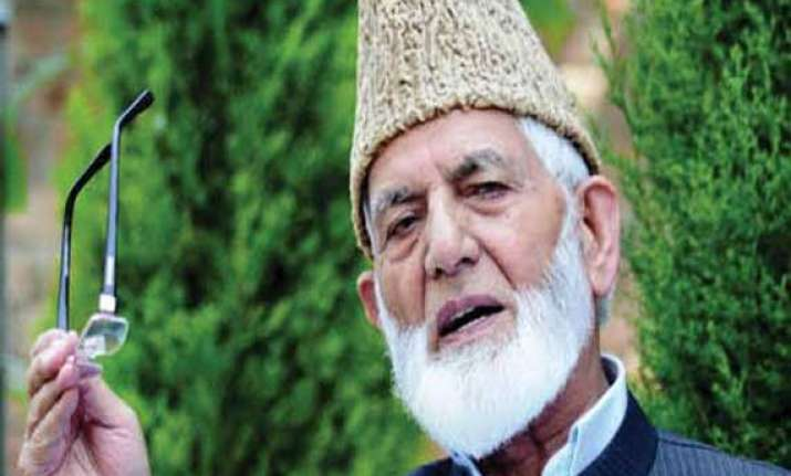 voters targeted in kashmir geelani appeals for calm