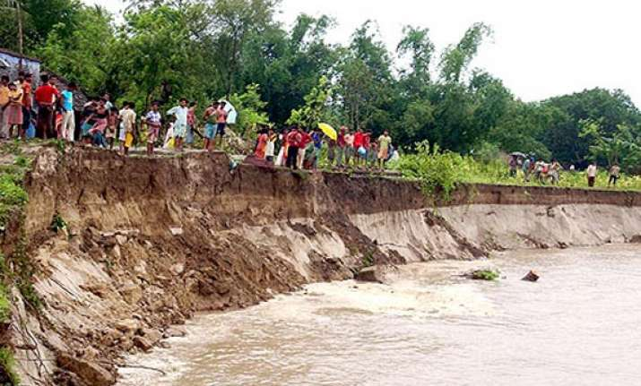 wb govt demands central fund to fight ganga padma erosion