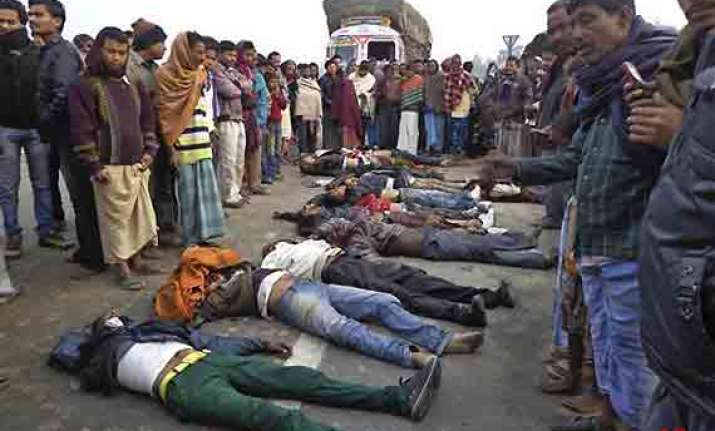 watch pics of marriage party members killed in bengal road