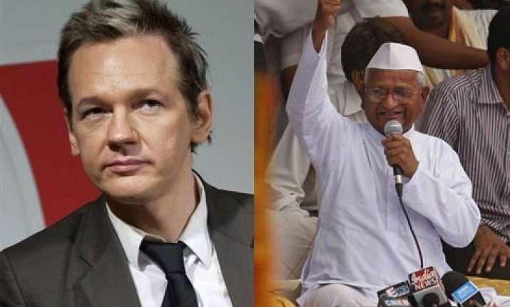 wikileaks founder praises gandhi ist anna hazare