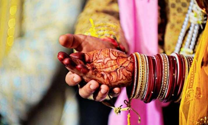 woman commits suicide after boyfriend seeks dowry for