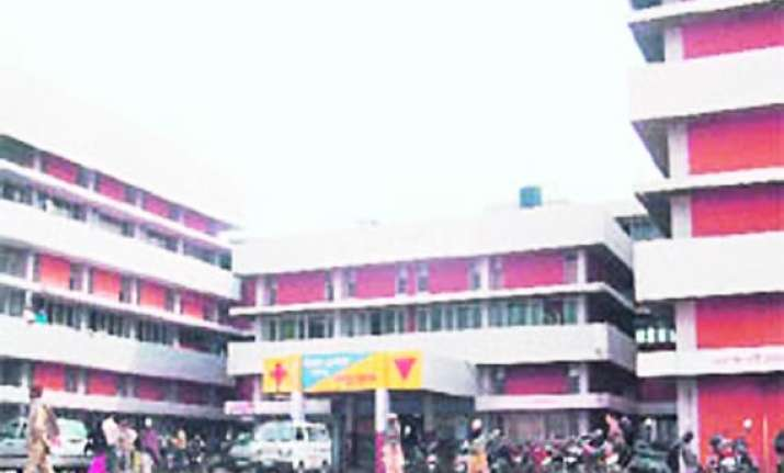 woman delivers baby outside hospital ward in ambala