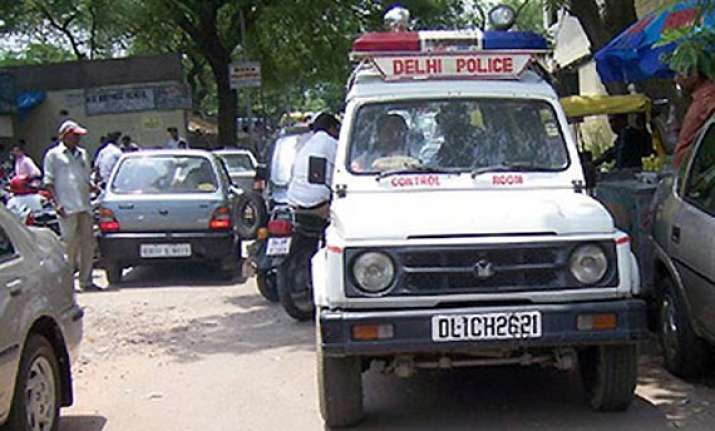 killers strangulate woman in delhi abduct her son in broad