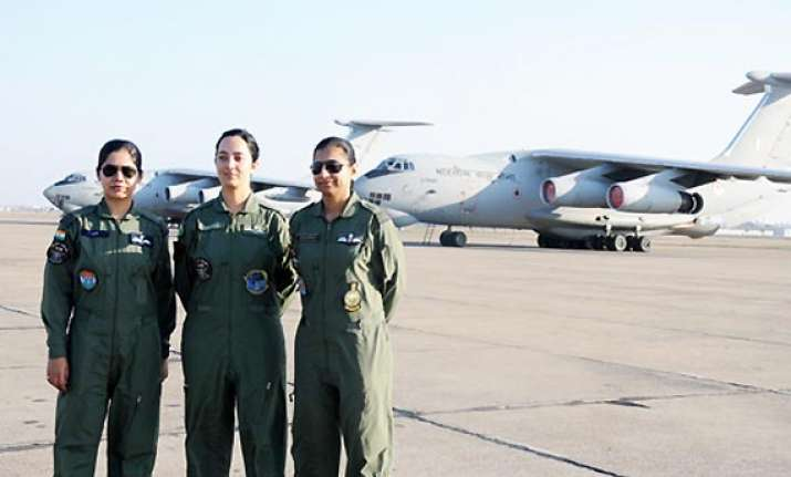 women physically not suited for flying fighter planes says