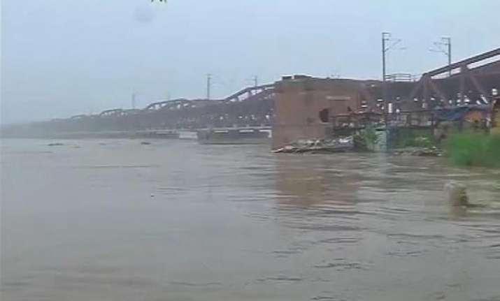 yamuna crosses danger mark flood threat over delhi