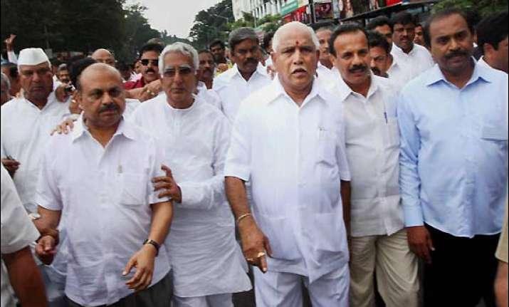 yeddyurappa in delhi to mount pressure on bjp