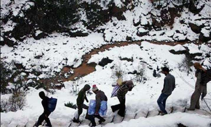 16 army jawans killed in kashmir avalanche 3 missing