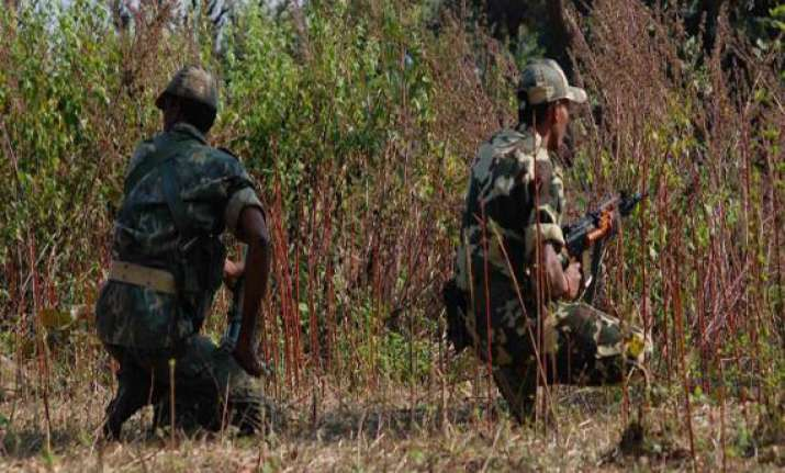 naxals blast crpf bus 12 jawans killed 28 injured