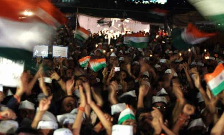 80 detained for protesting near pm s residence on lokpal