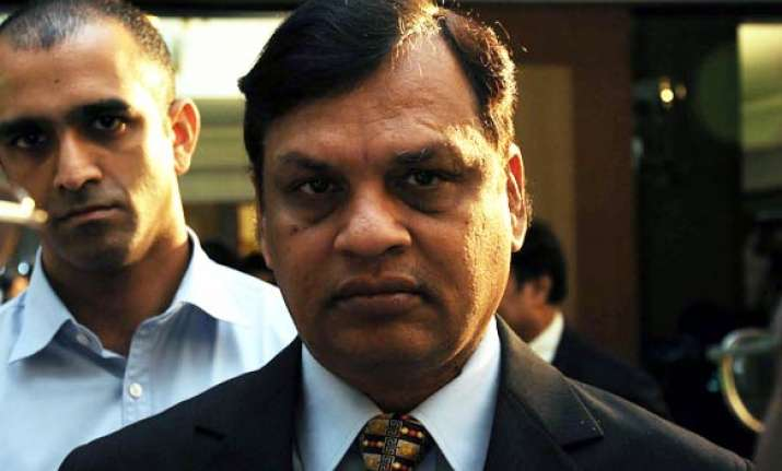 2g spectrum probe cbi questions videocon s dhoot his brother