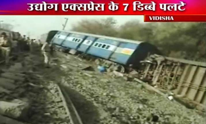 21 injured as train derails in mp