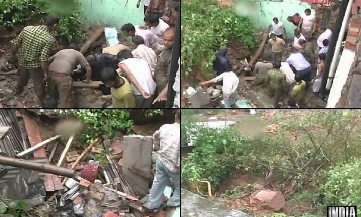 2 kids die as lodhi fort wall collapses on two houses in