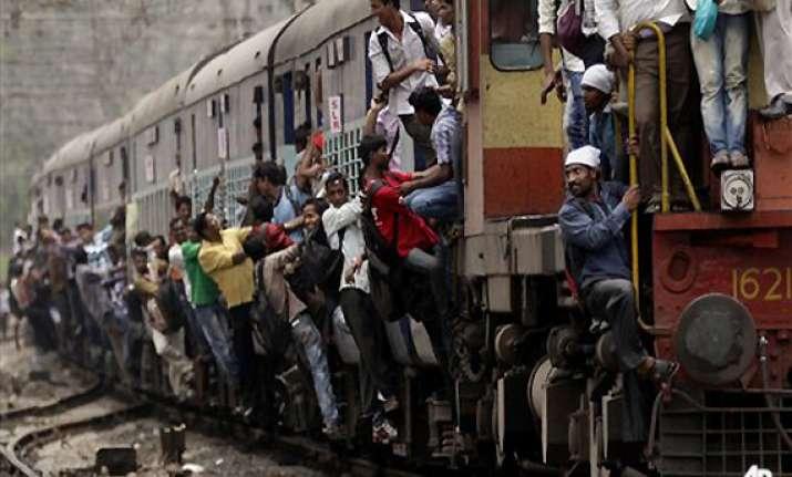 mumbai train chaos claims 3 lives
