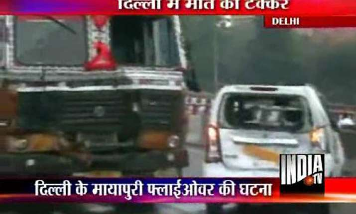 4 killed 8 injured in a chain of collisions in delhi