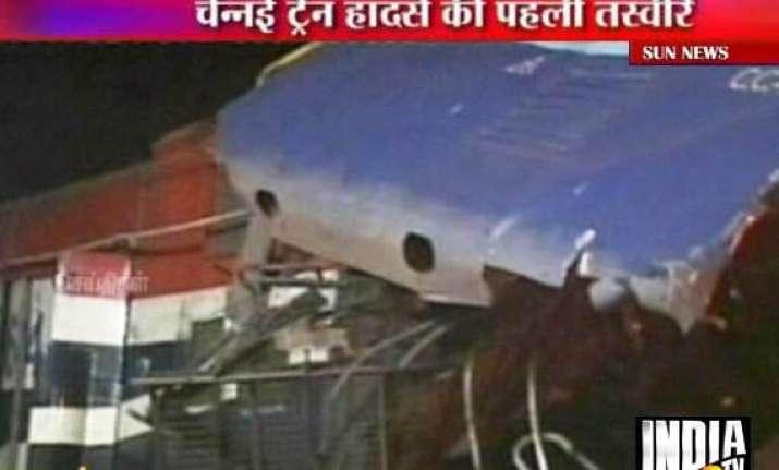 9 killed in tn train crash human error suspected