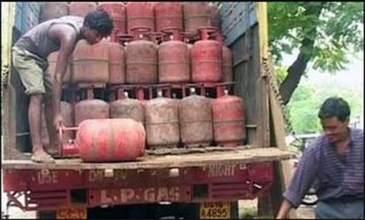 9 lpg cylinders this year if oilcos get extra rs 3 000 cr