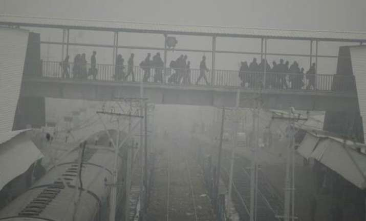 56 trains running late due to fog 11 rescheduled