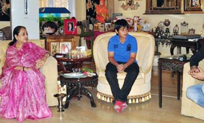 12 year old padmanabh crowned jaipur s new maharaja
