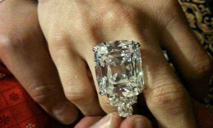 76 carat indian diamond to be auctioned at christie s