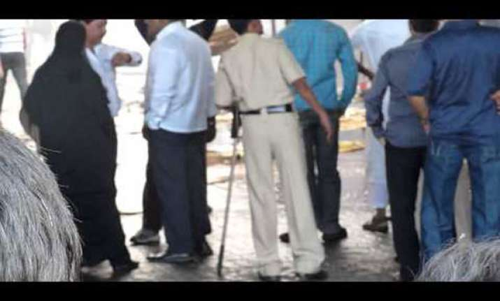 40 firecracker shops gutted in gujarat no casualty