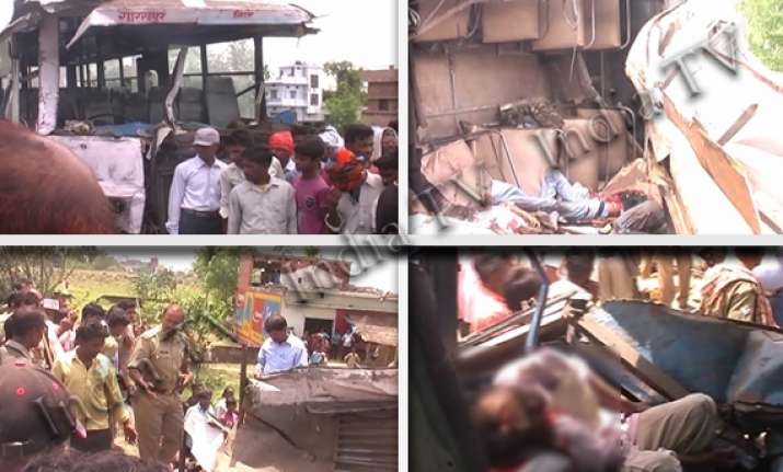 20 killed in collision between two buses in gorakhpur