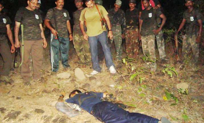 20 naxals killed in encounter with crpf 2 jawans critical