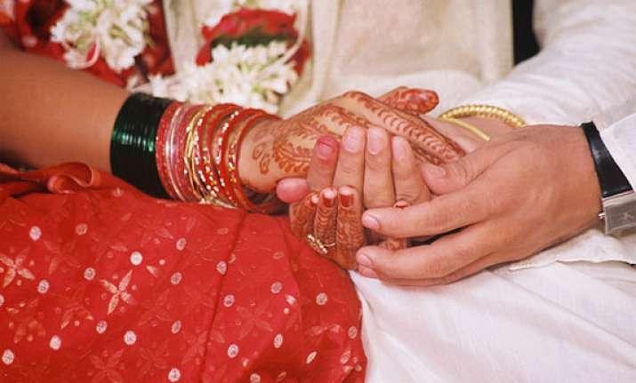 72 couples tie knot in mass wedding in muzaffarnagar
