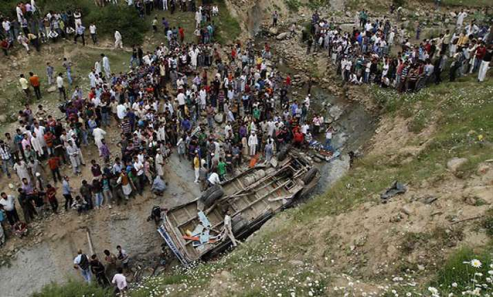 4 dead as bus falls into gorge in meghalaya