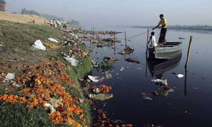 22 drains discharge waste into yamuna in delhi government