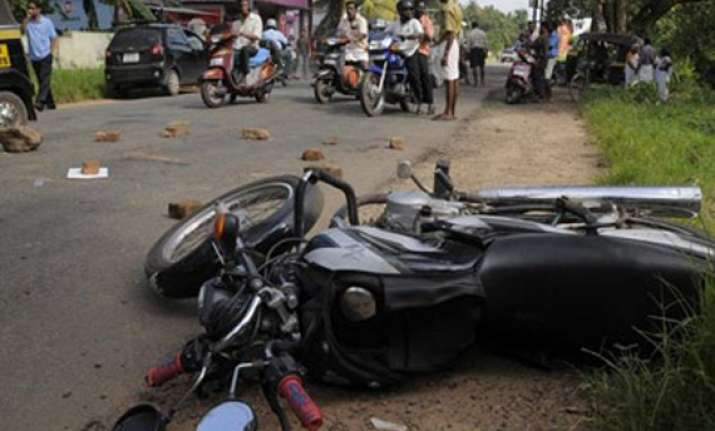 3 injured in accident in kolkata