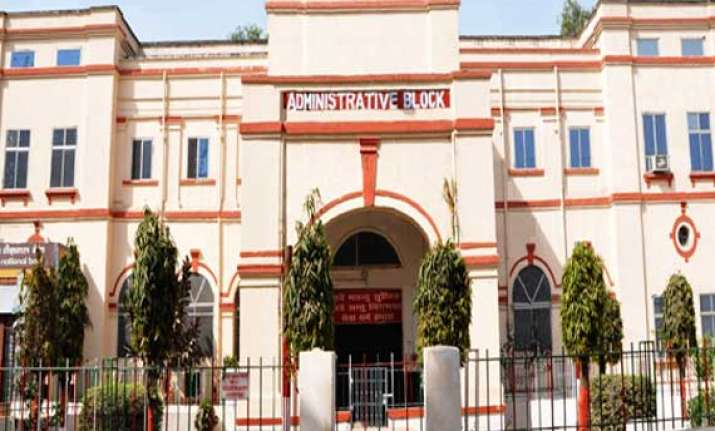8 303 kids 776 pregnant women died at patna medical college