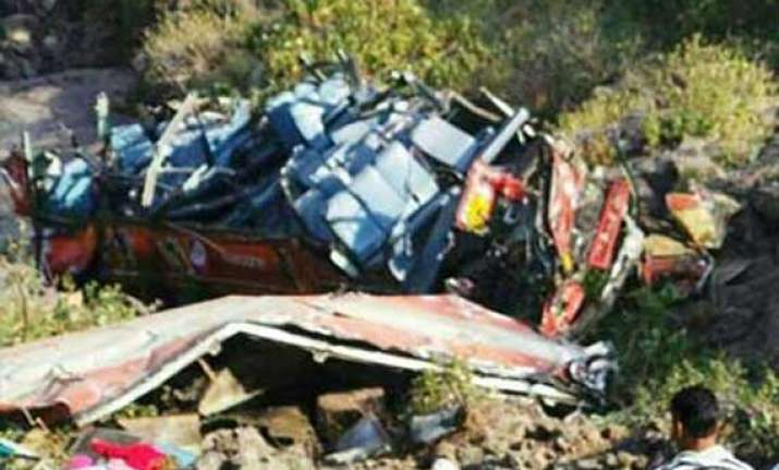 12 killed as bus falls into ditch in up