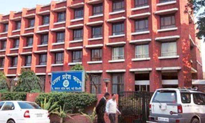 100 room up bhawan to be built in noida