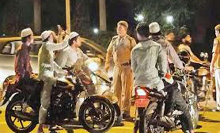 group of bikers flouted traffic norms says delhi police