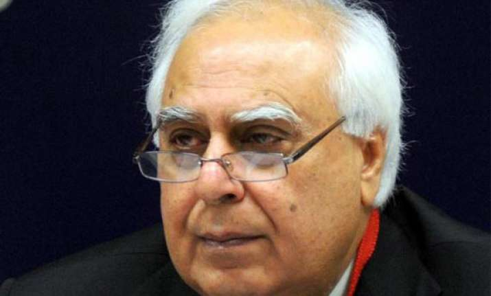 aap to approach poll panel against sibal