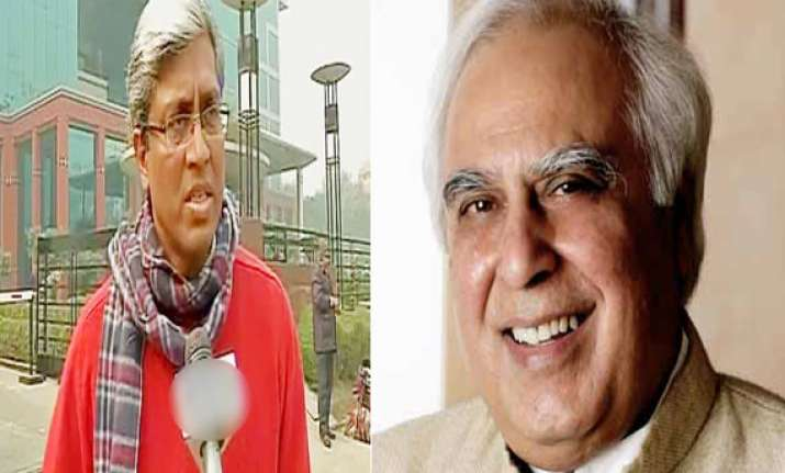 aap to field ashutosh against sibal list of 20 ls