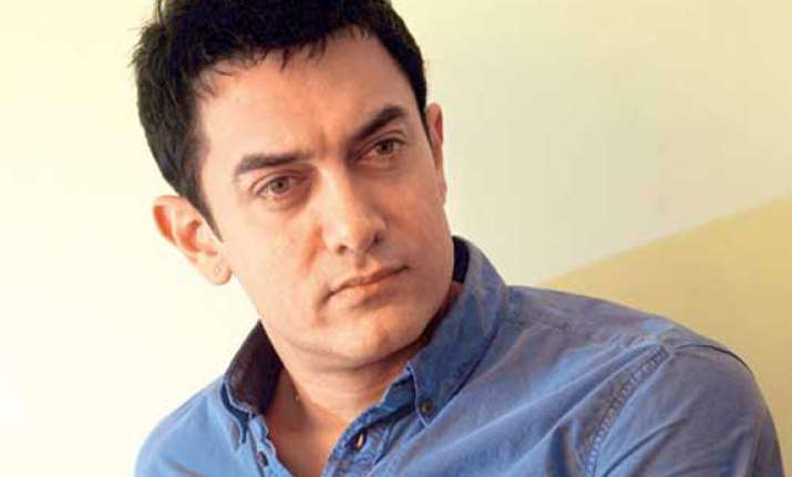 aamir writes to ec clarifies he is not supporting aap