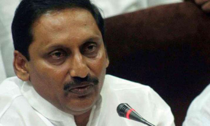 address all issues before dividing andhra says kiran reddy