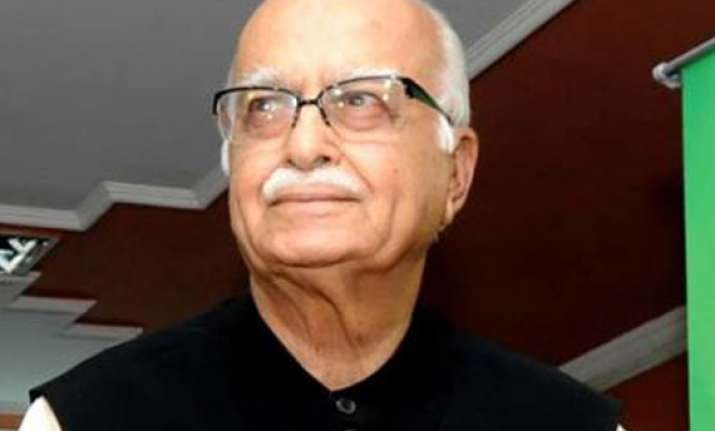 advani talks to nitish sharad