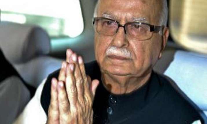 advani visits v c shukla in medanta hospital