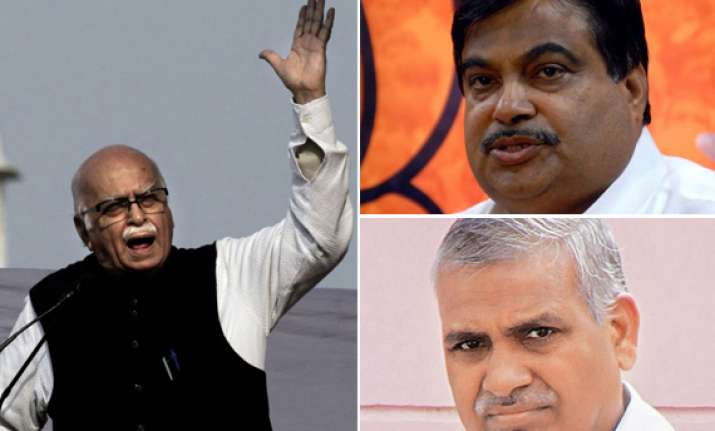advani lashes out at bjp leadership in his blog