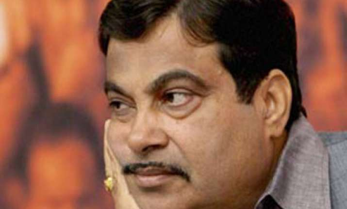 ahmedabad gadkari fails to reach in time rally cancelled