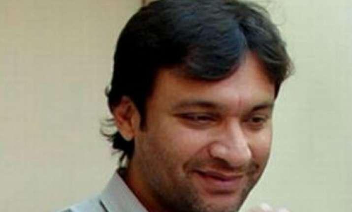 akbaruddin owaisi admitted to hospital in hyderabad