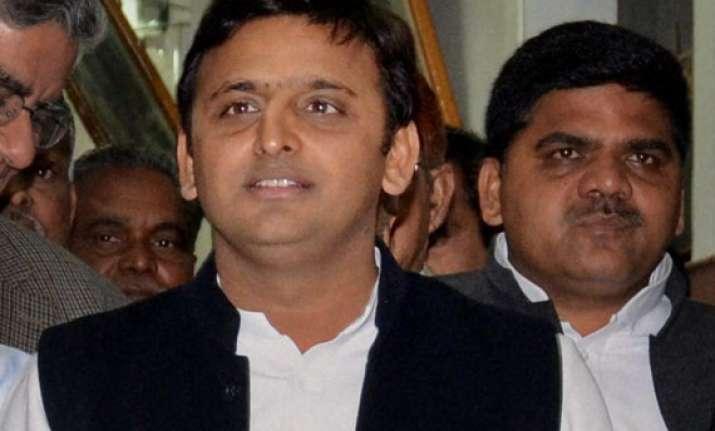 akhilesh donates month s salary for uttarakhand