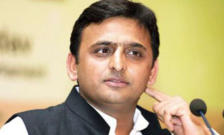 akhilesh suspends official in rae bareli inspection