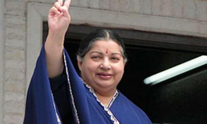 all eyes on jayalalithaa in srirangam