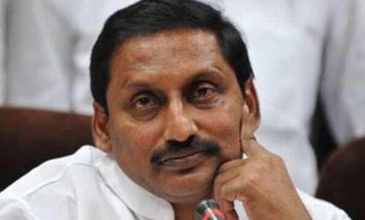 andhra cm rushes to delhi promises help to pilgrims