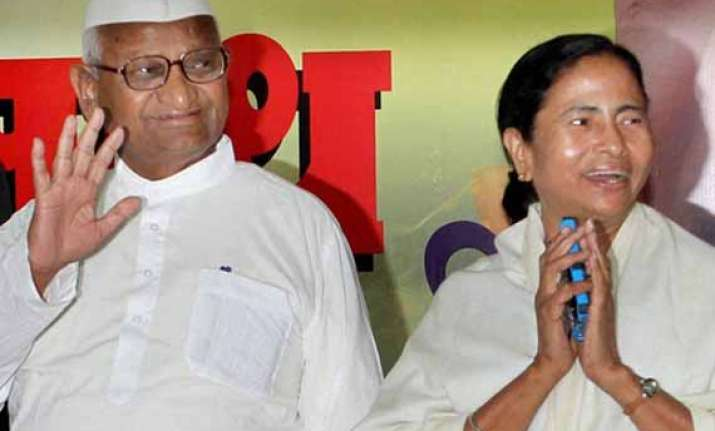 anna hazare s men all set to launch mamata for india